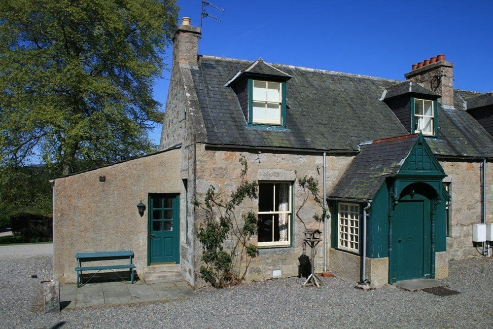 hotels in ballater Antlers Cottage, Glenmuick Estate