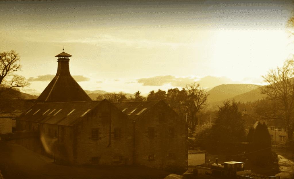 Deward's Distillery: Distilleries in Dunkeld