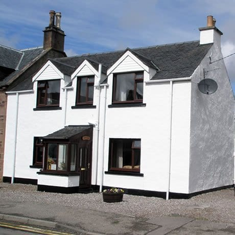 Dunvegan is a good accomodation in ullapool