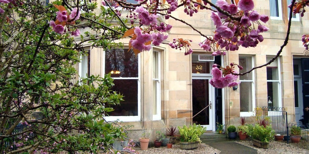 Lochinver Guest House is one of the top hotels in ayr