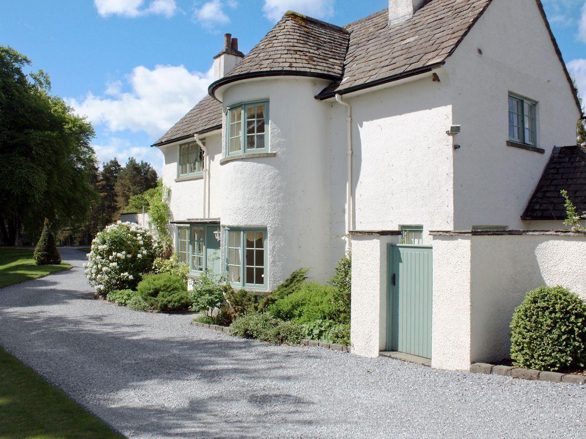 Dalbeathie Cottage