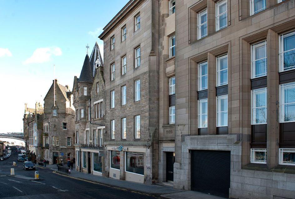 Motel One Edinburgh Royal