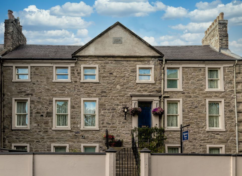 Inglestone House